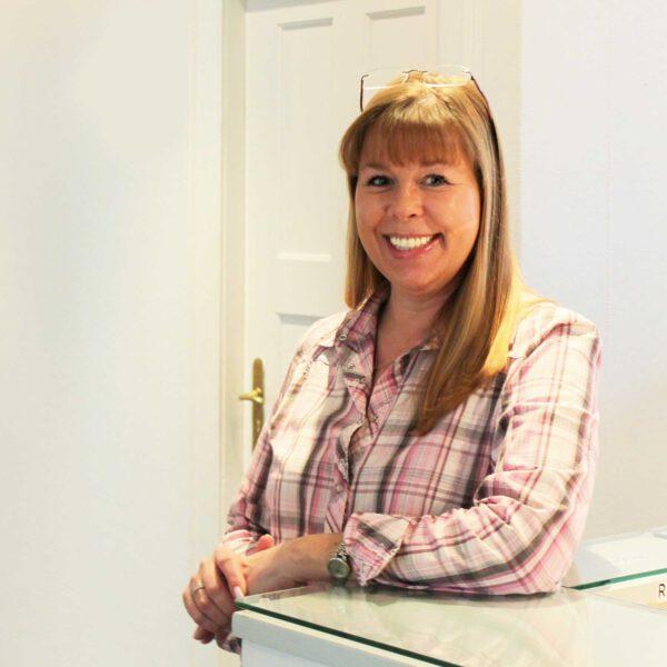 Carola Behnke, Medizinische Fachangestellte