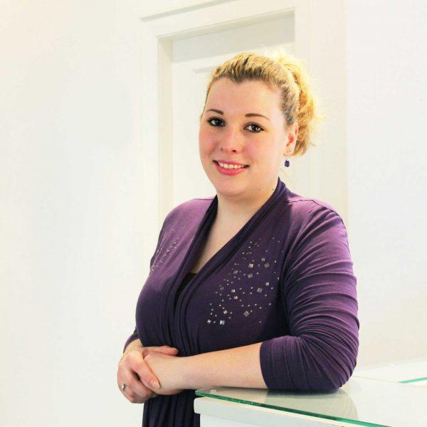 Jennifer Lamson, Medizinische Fachangestellte