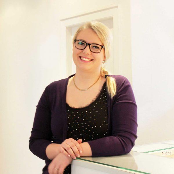 Lena Dittrich, Medizinische Fachangestellte
